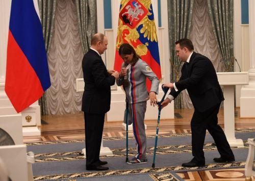 Vladimir Putin premia a ganadores de los Juegos Paralímpicos de Invierno Pyeongchang de 2018