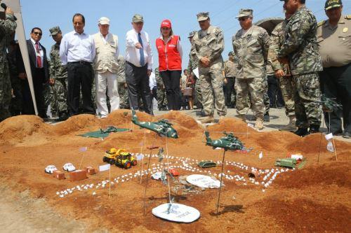 Presidente Kuczynski en presentación de la 1.ª Brigada Multipropósito Mariscal del Perú Eloy Gaspar Ureta Montehermoso, del Ejército
