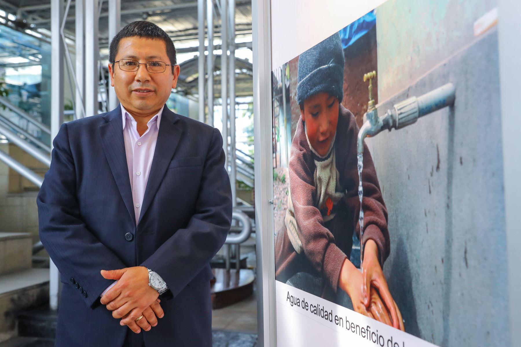 El presidente del Servicio de Agua Potable y Alcantarillado de Lima (Sedapal), Edmer Trujillo. Foto: ANDINA/Andrés Valle