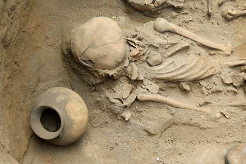 Trujillo: hallan 47 entierros de más de 2,500 años en Huanchaco
