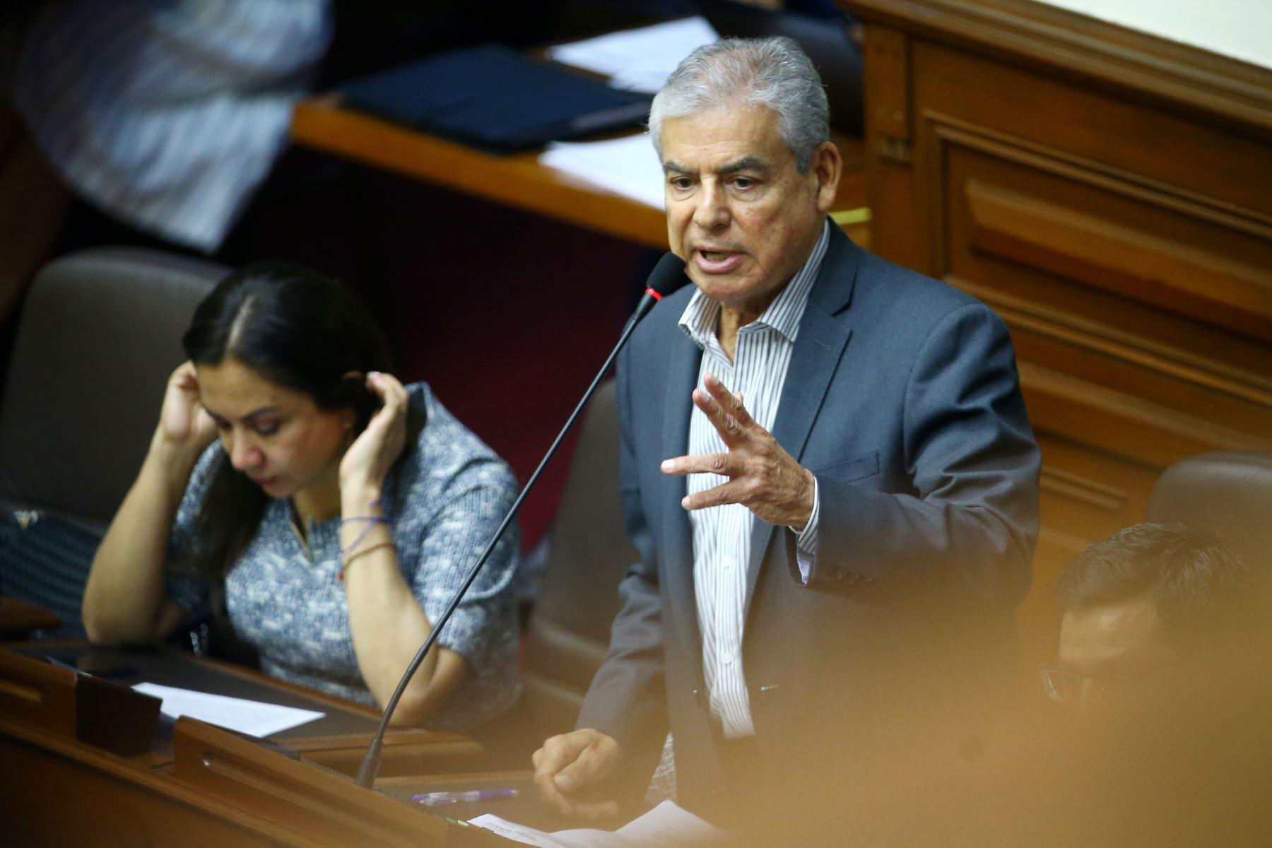 Cesar Villanueva durante su participación en el debate a la aceptación de la carta de renuncia del Presidente Kuczynski. Foto: ANDINA/Melina Mejía