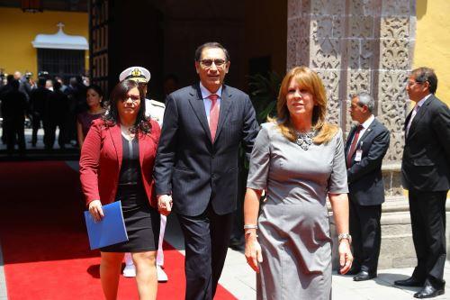 Martín Vizcarra llega a la Cancillería