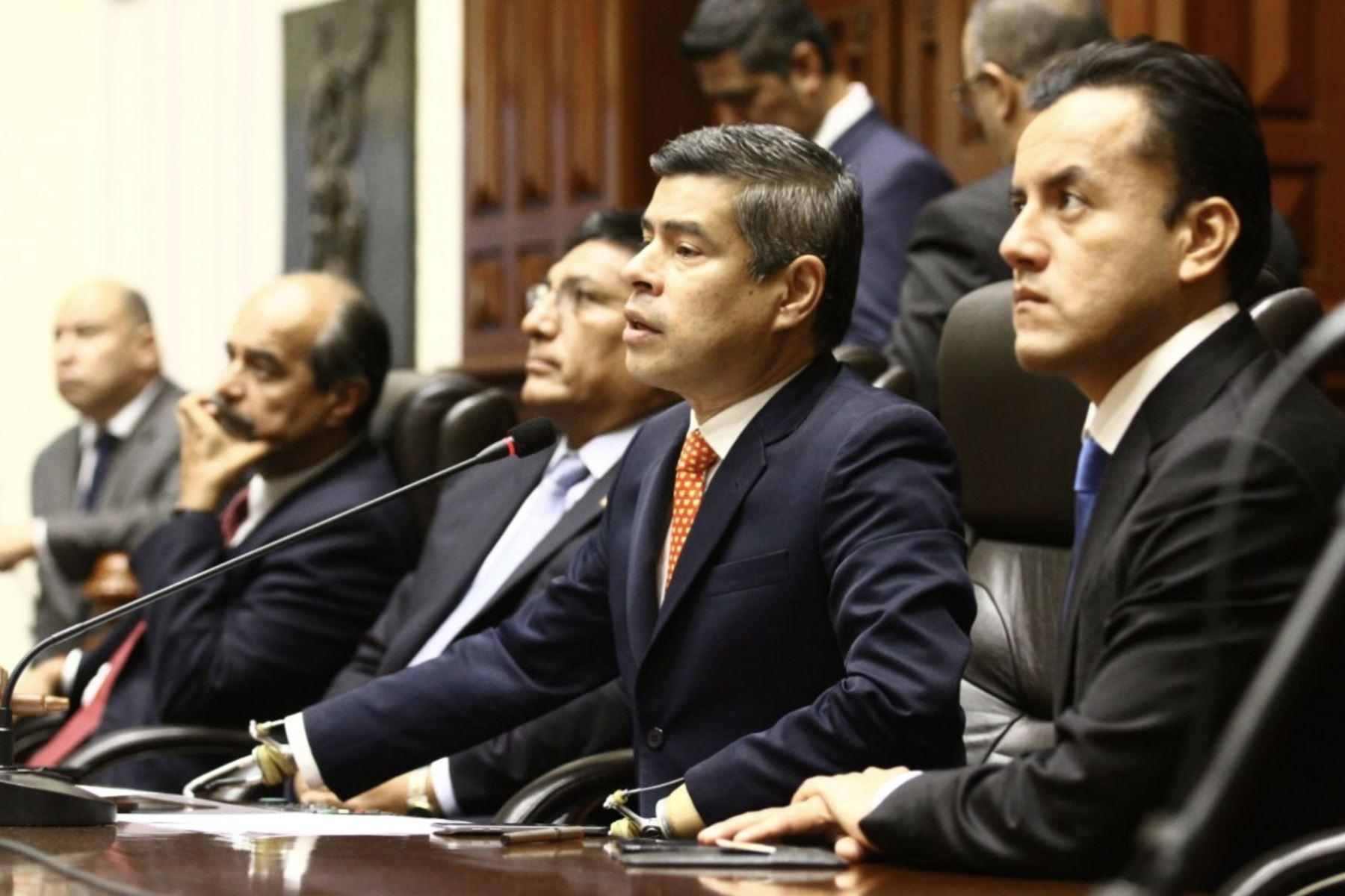 Prohiben salir de Perú al ex presidente Kuczynski