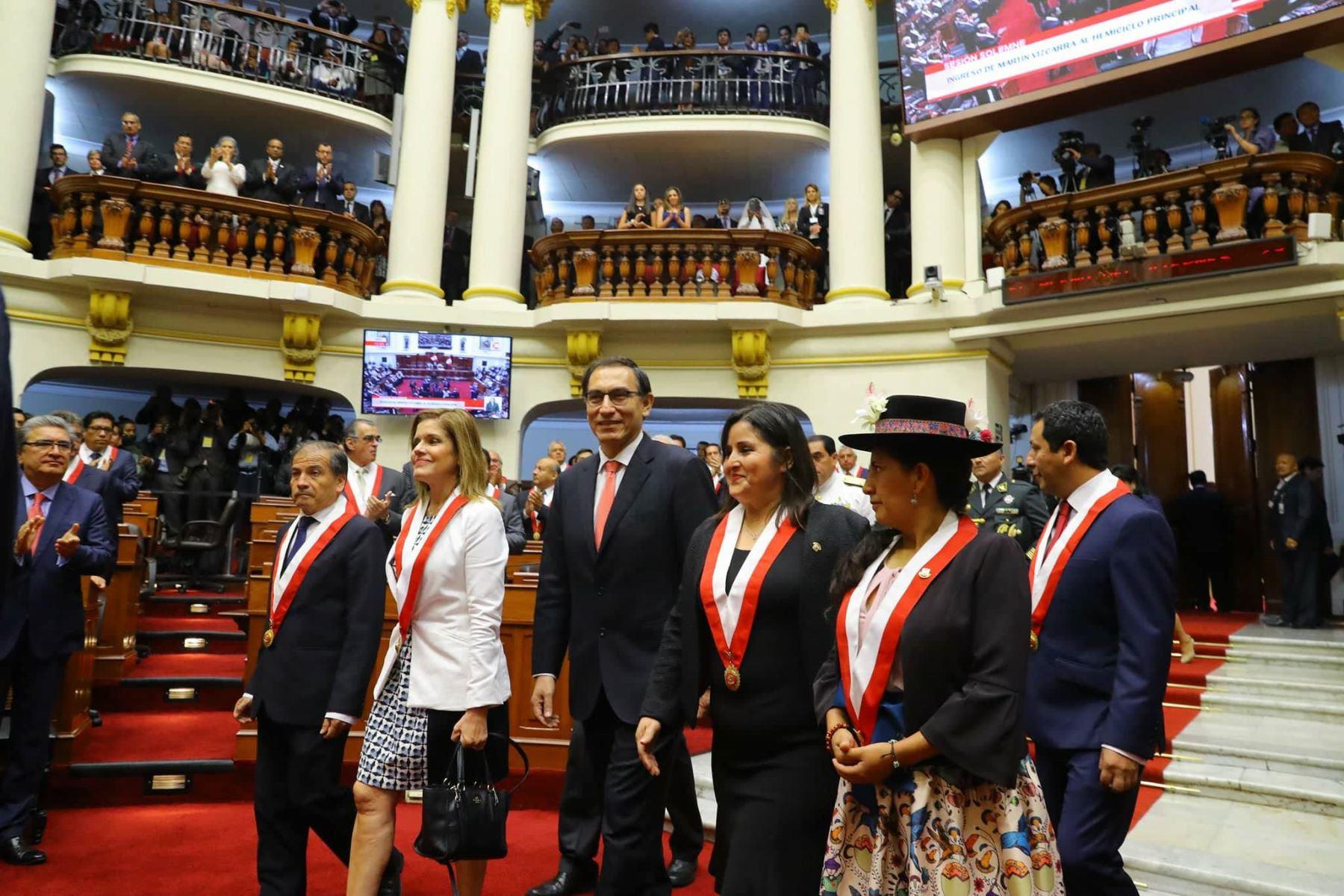 El Congreso peruano aceptó la renuncia de Kuczynski y asume el Vice