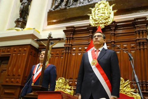 Martín Vizcarra juró como nuevo Presidente de la República