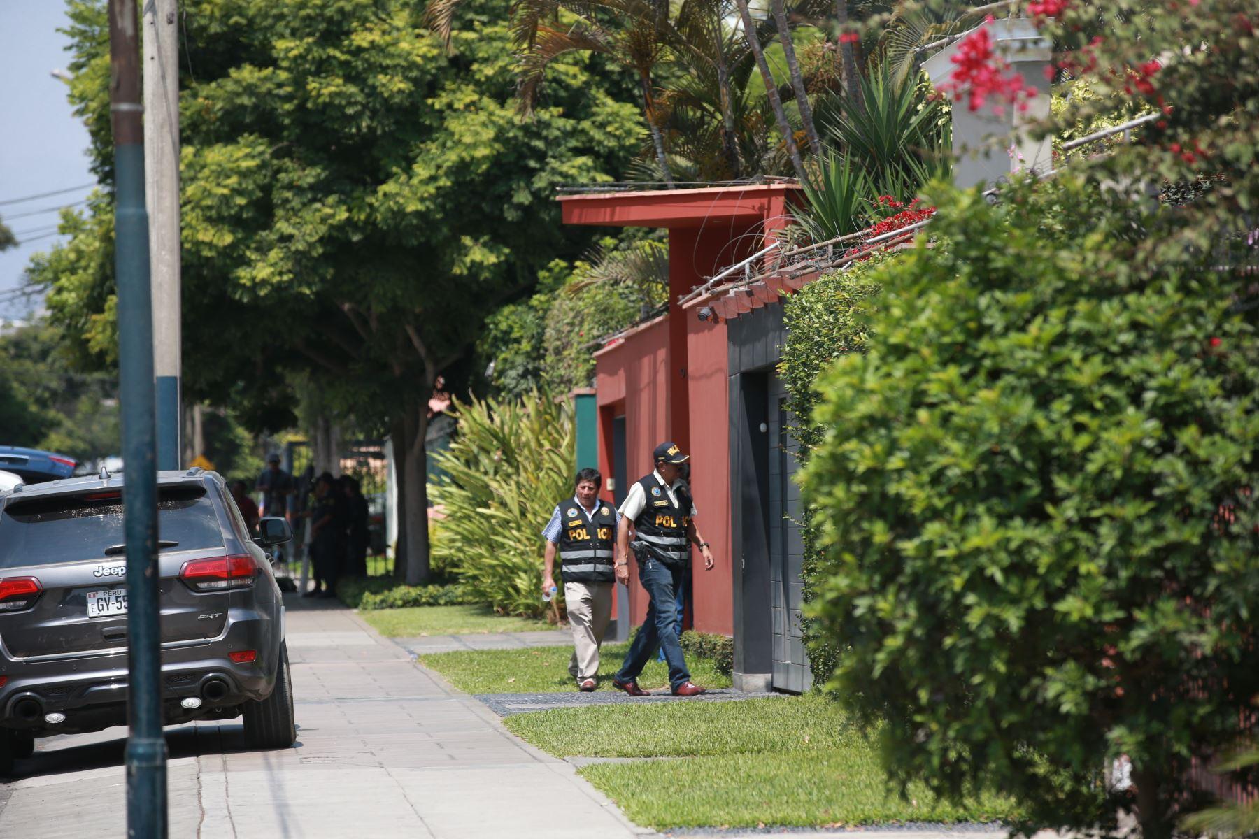 Fiscalia allana casas de Pedro Pablo Kuczynski, ex presidente de la republica. Foto: ANDINA/Jhony Laurente