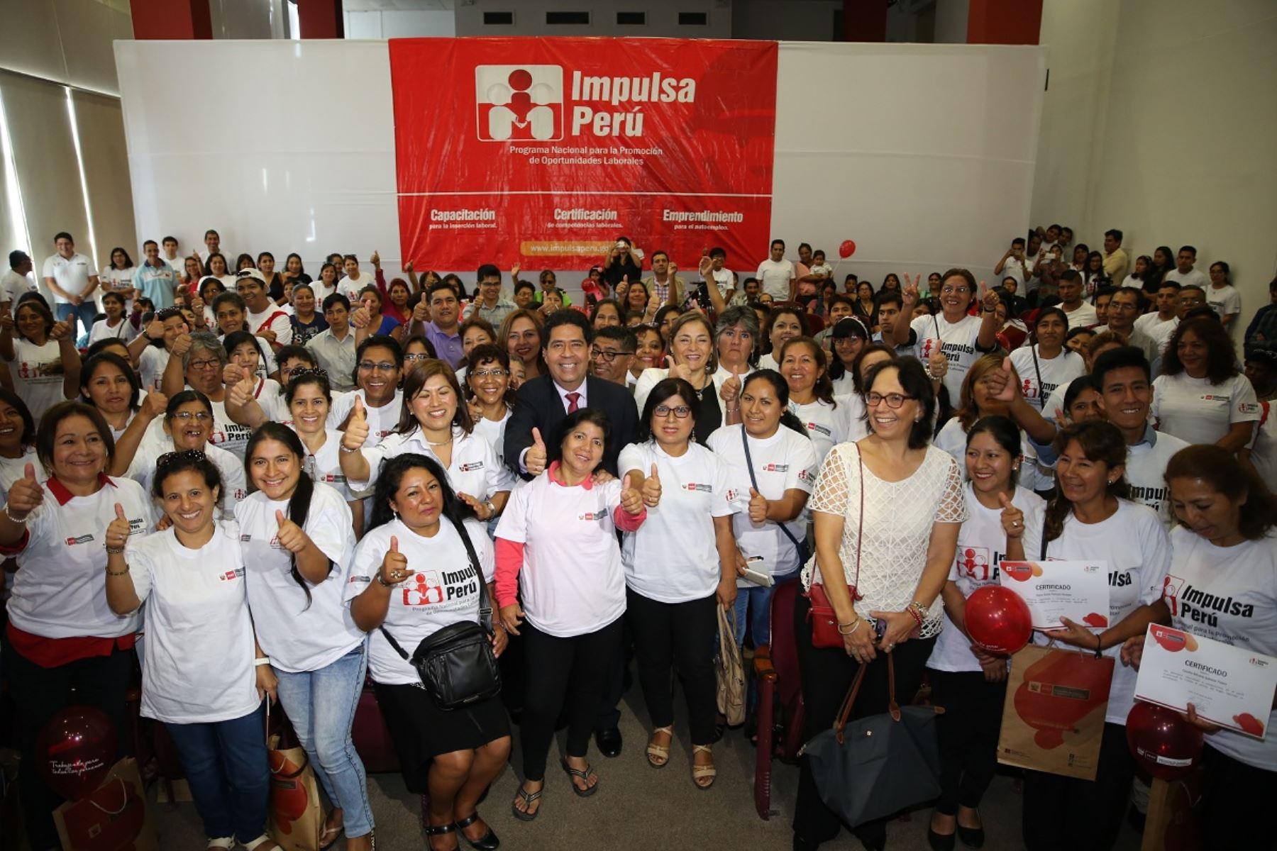 Ministerio de trabajo certifica competencia laboral de 90 for Formulario trabajadores del hogar