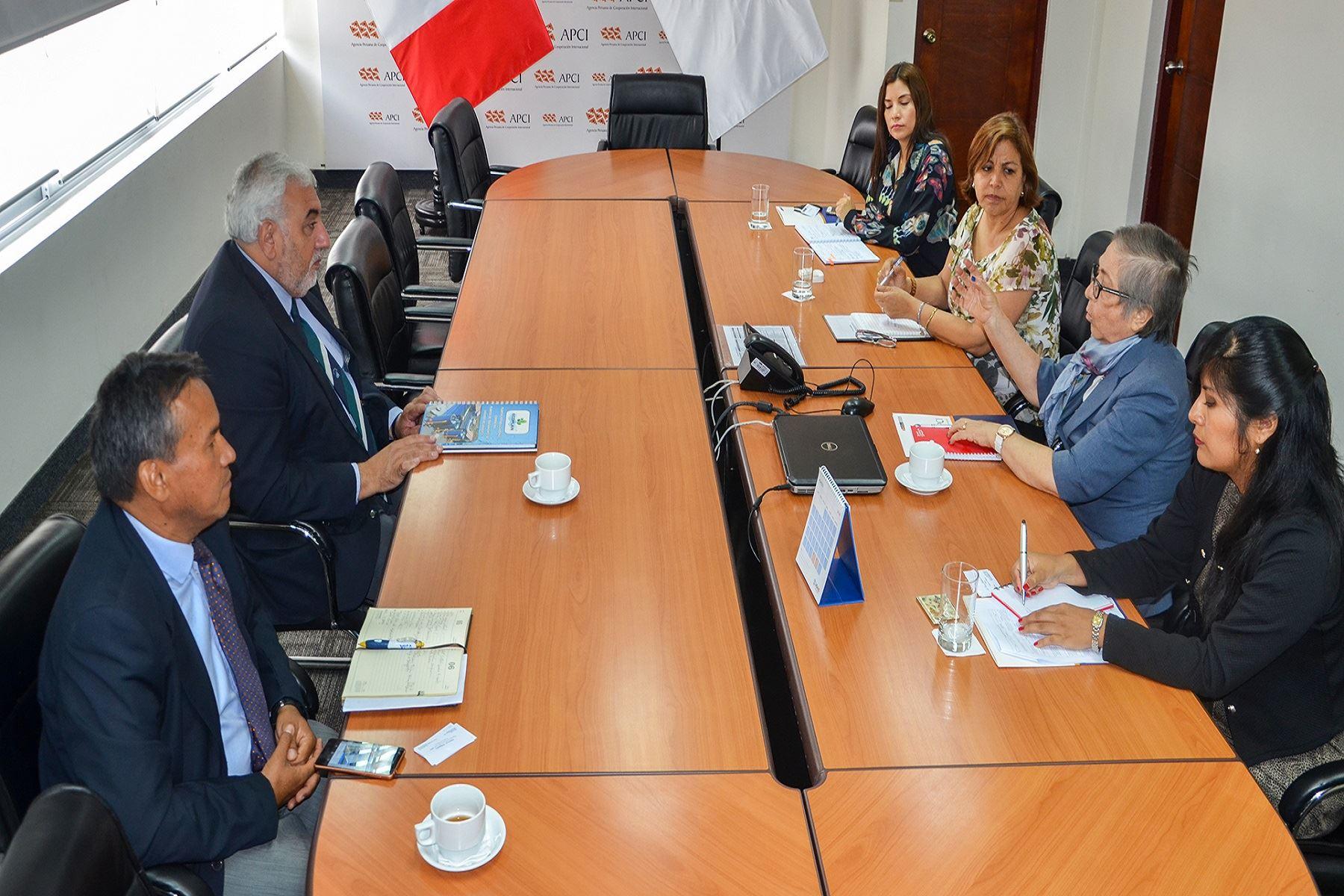 Perú y Uruguay impulsarán cooperación en ciencia, turismo y gastronomía.