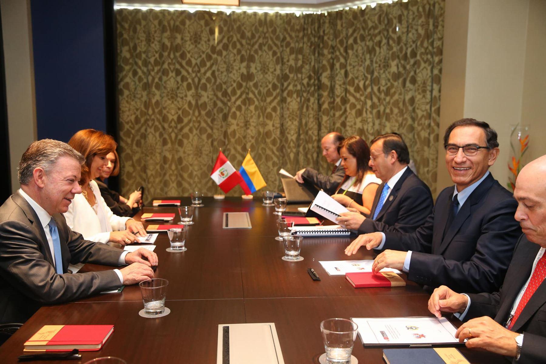 Vizcarra inauguró III Cumbre Empresarial de las Américas