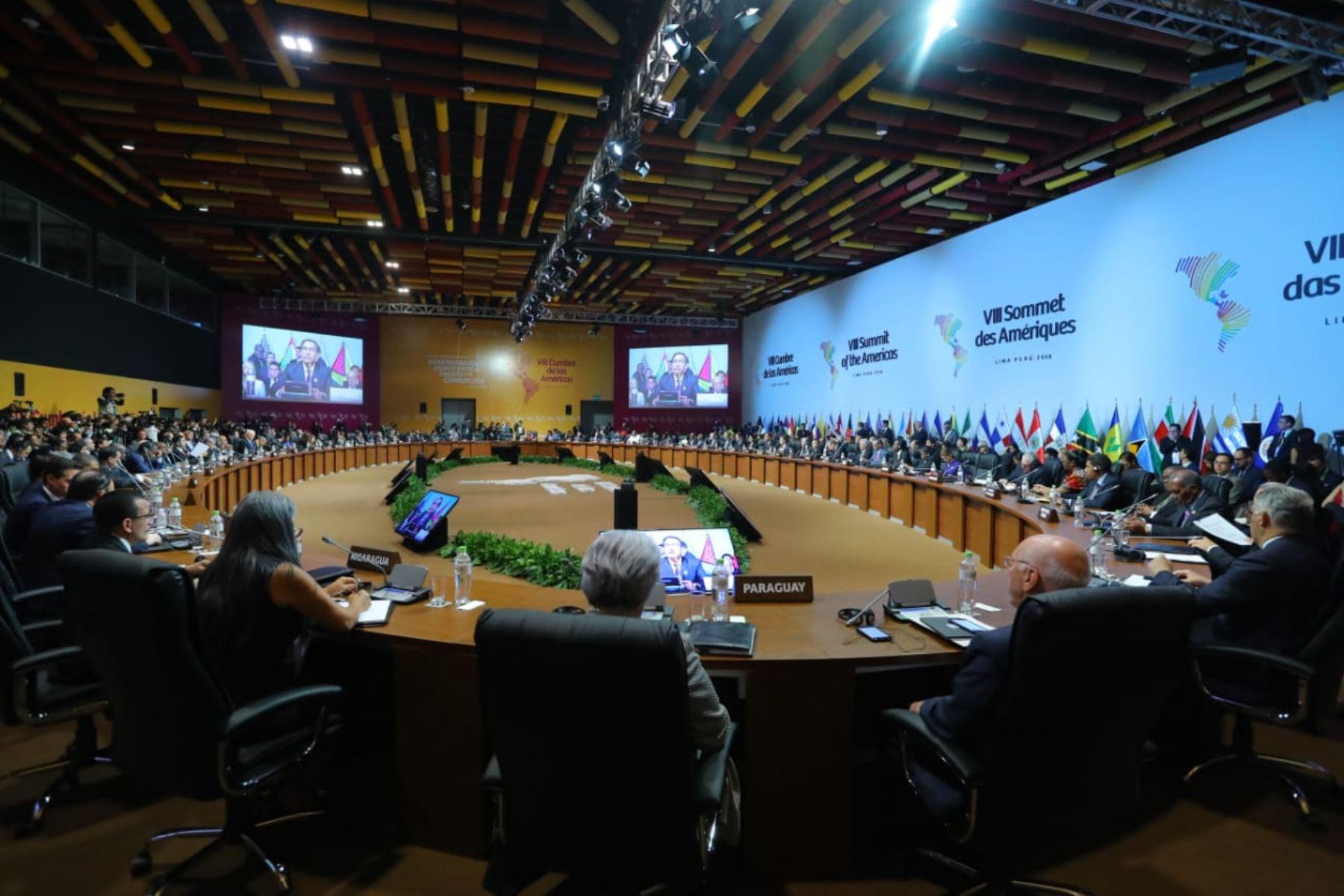 La Cumbre de las Américas aprueba en Lima 'compromiso' contra la corrupción