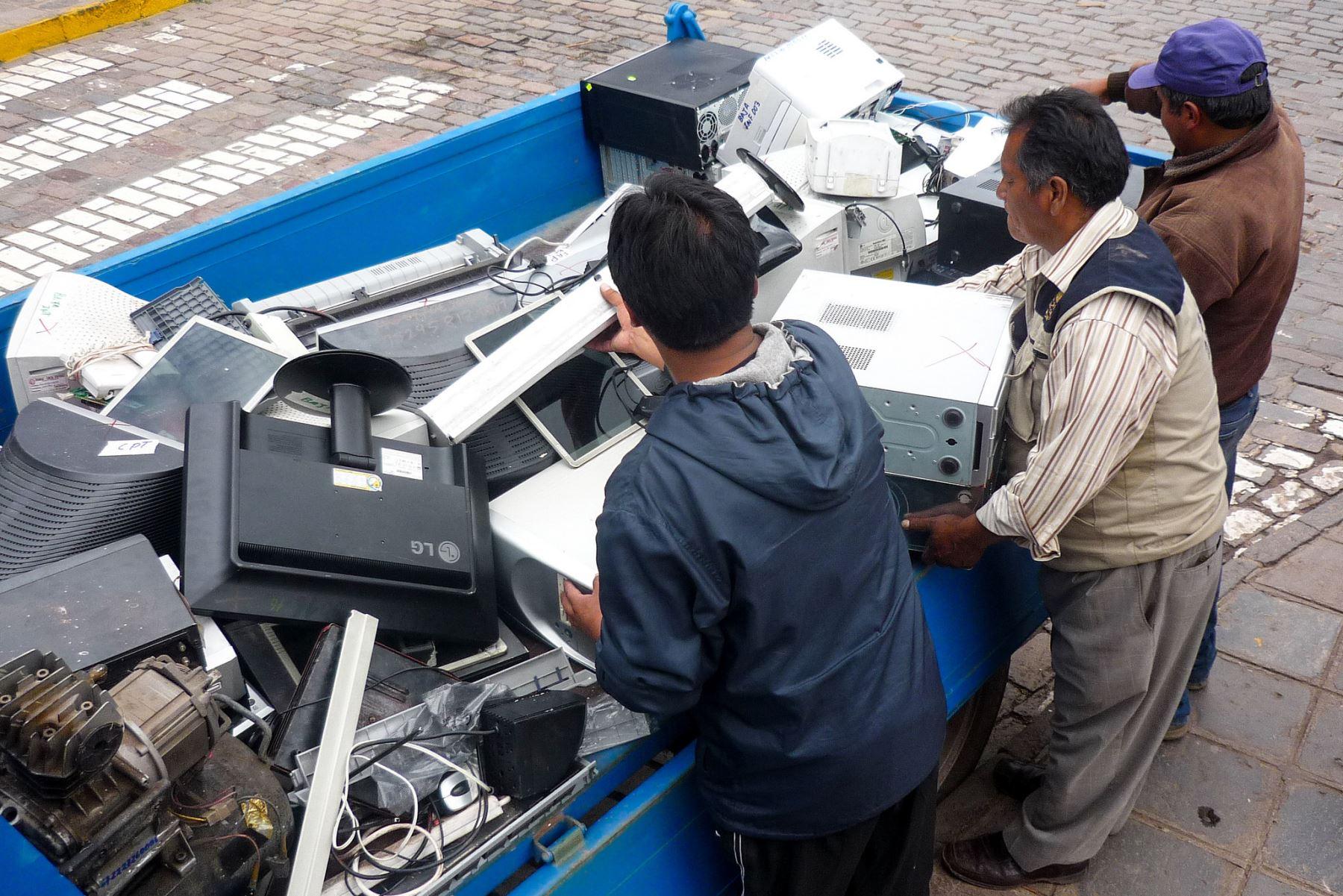 Centro de acopio de residuos eléctricos y electrónicos, Foto: Andina/difusión