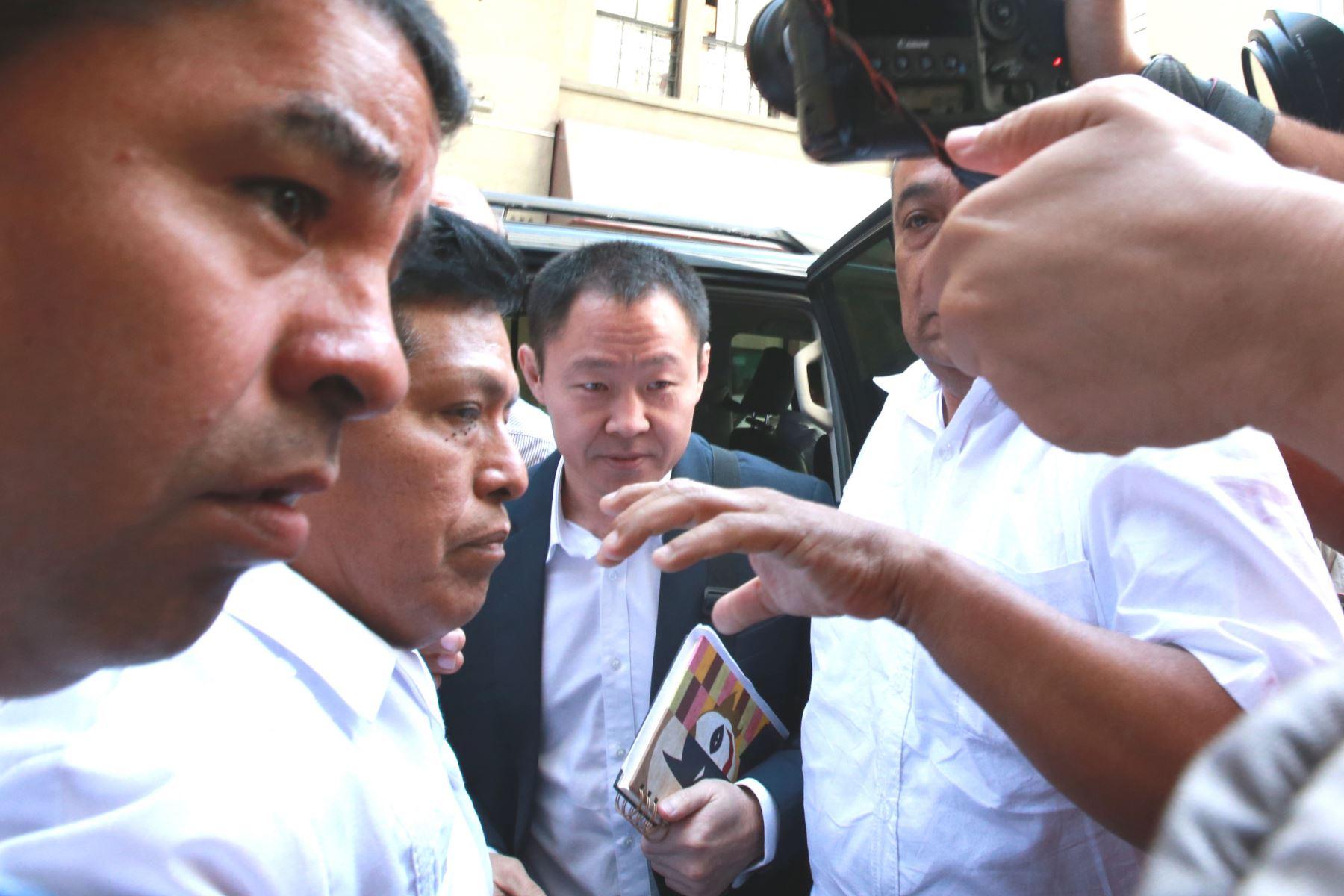 Kenji Fujimori ante fiscal que investiga a su hermana Keiko