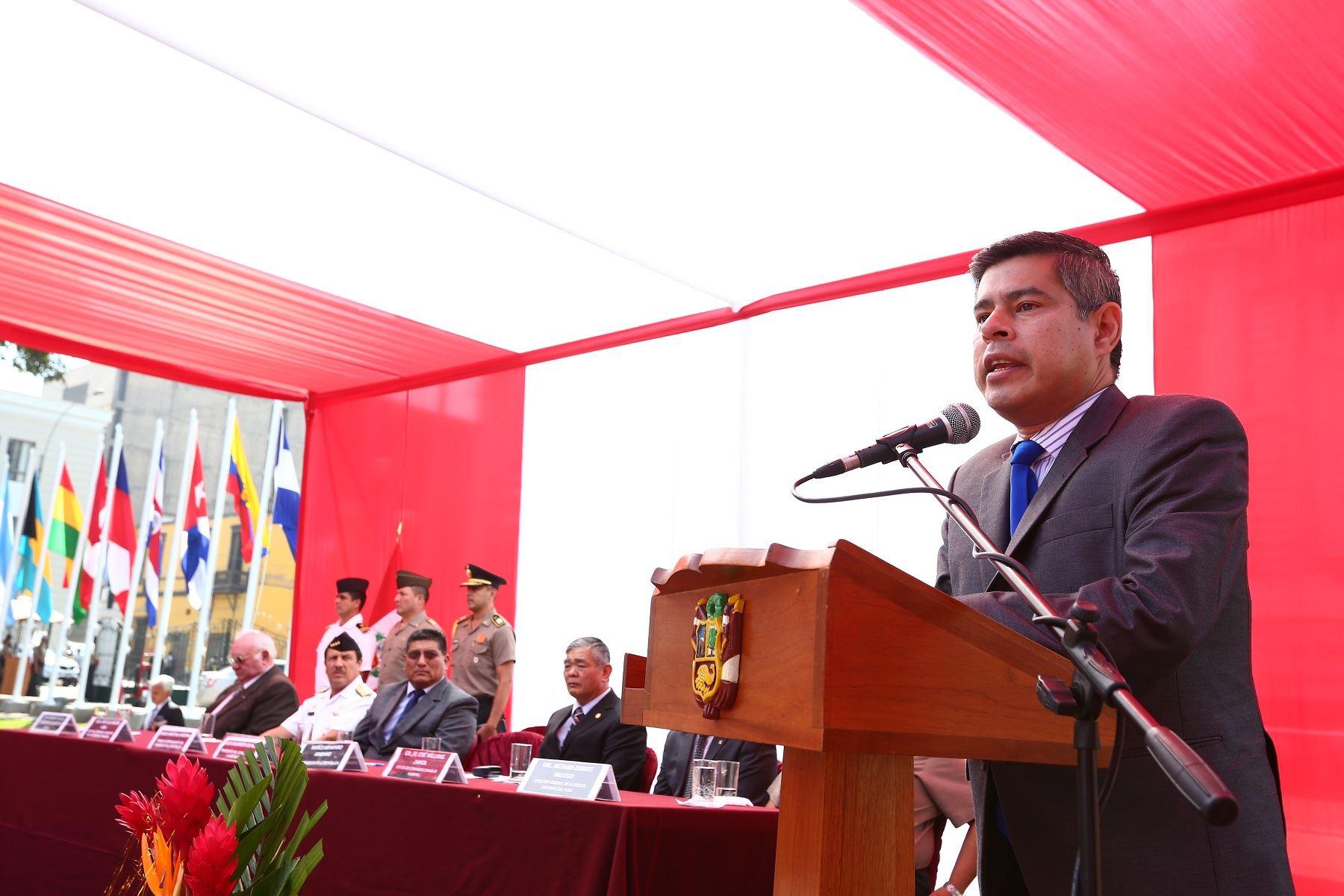 Presidente del Congreso, Luis Galarreta, durante ceremonia por una aniversario de la Operación Chavín de Huántar. Foto: Congreso.