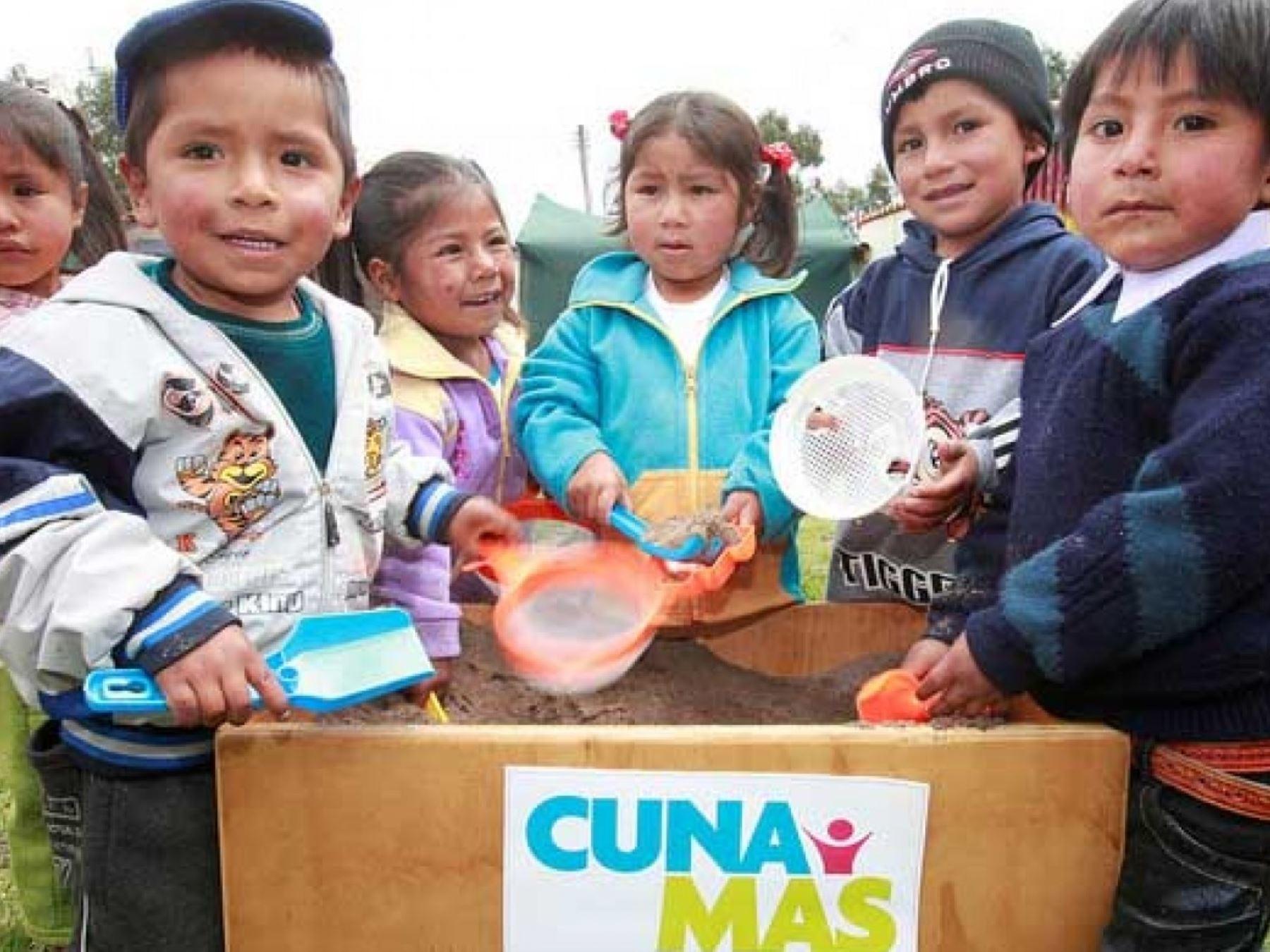 Cuna Más. Expertos de varios países latinoamericanos participarán en un encuentro internacional en Lima sobre el desarrollo de la primera infancia.