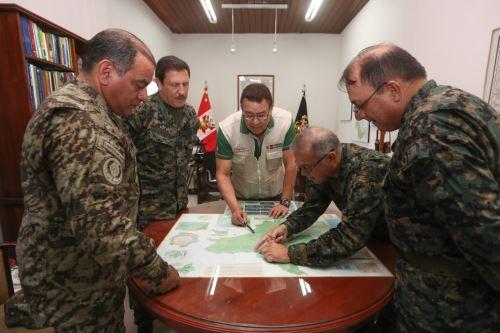 Ministro de Defensa llegó a Iquitos con el fin de inspeccionar las instalaciones militares desplegadas a lo largo de la frontera con Colombia