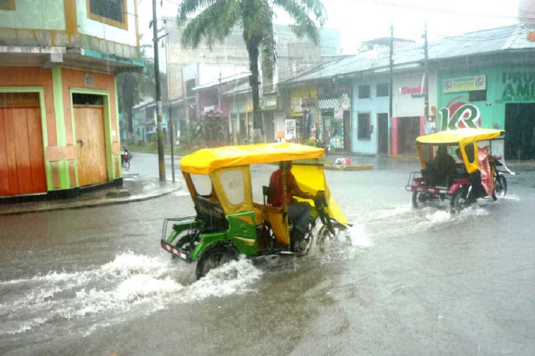 Senamhi pronostica lluvias intensas en varias regiones del país esta noche