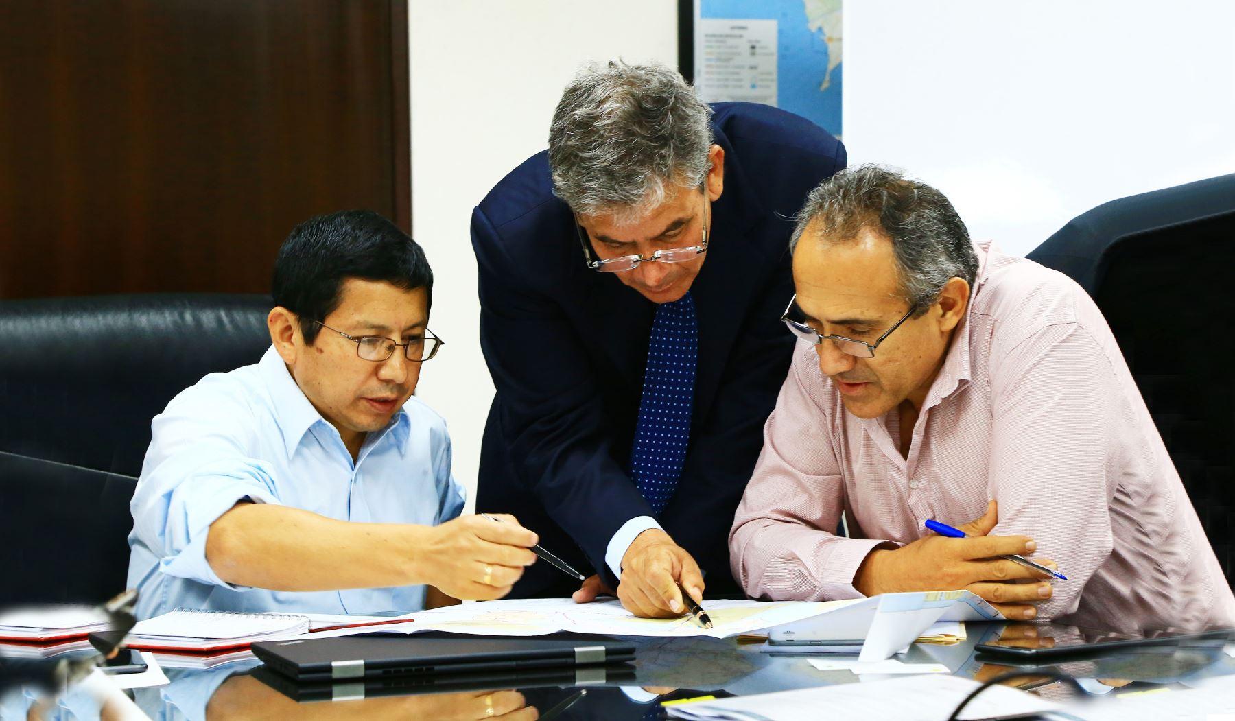 Ministro de Transportes y Comunicaciones se reunió con gobernadores regionales de Piura y Junín para ampliar lo tratado en el GORE Ejecutivo Extraordinario Cortesía