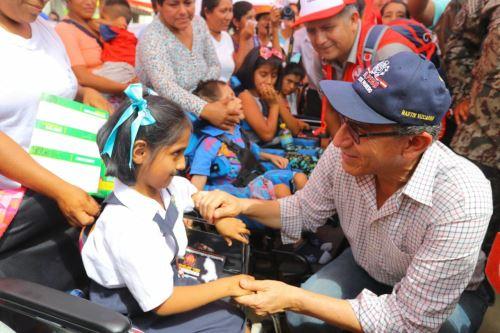 Presidente Martín Vizcarra verifica las atenciones que brinda el Estado a la población de San Martín de Pangoa