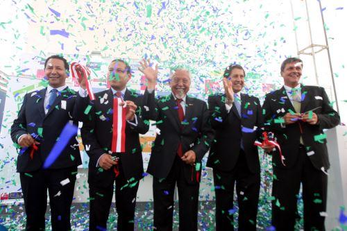 Ministro de Vivienda, Javier Piqué inaugura la octava edición de la feria inmobiliaria.