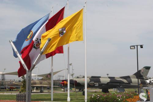 Festival del aire en Surco, por el 104 aniversario del natalicio del Cap.FAP José Abelardo Quiñones
