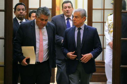 Presidente del Consejo de Ministros, César Villanueva, se reune con miembros de la bancada de Fuerza Popular en el Congreso de la República