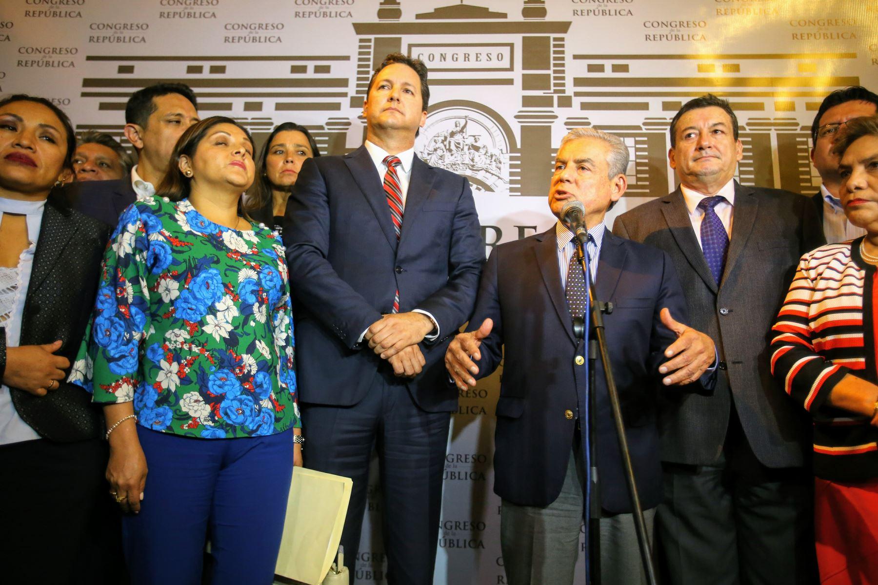 La reunión política duró casi tres horas en el segundo piso del Congreso. Foto: ANDINA/Luis Iparraguirre