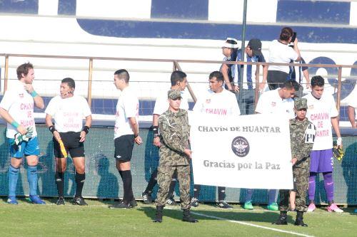 Homenaje por el 21°. aniversario de la exitosa operación Chavín de Huántar, durante el partido Alianza Lima vs Sport Rosario