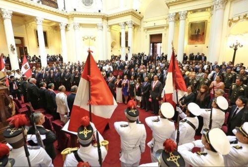 Reconocimiento en el grado de Gran Oficial a las Instituciones Armadas, Policía Nacional del Perú y Condecoración a los Exrehenes de la embajada de Japón