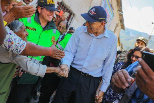 Presidente Martín Vizcarra  visitó Cotahuasi y se reunió  con alcaldes en Arequipa.