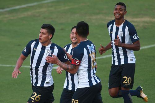 Alianza Lima vence 3 - 1 a Sport Rosario