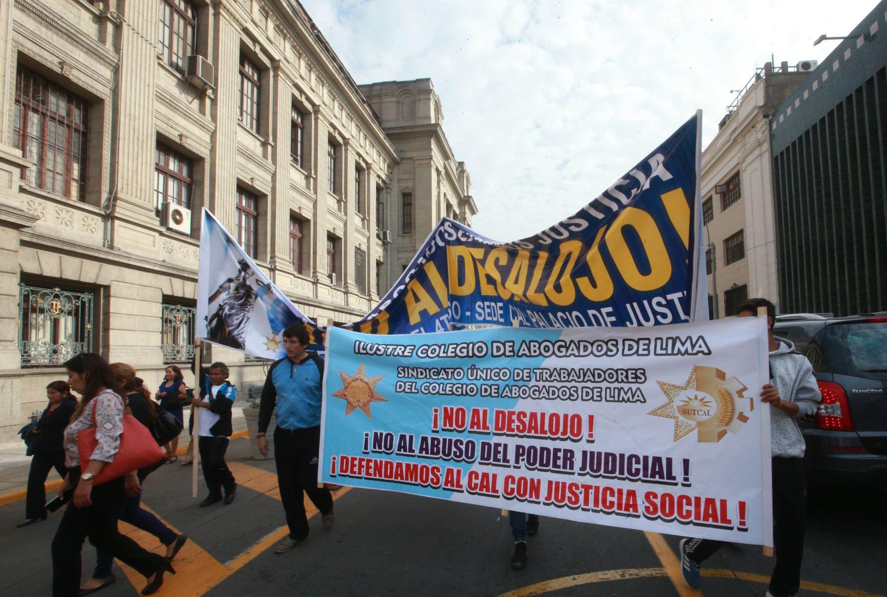 Colegio de Abogados fue desalojado de ambiente — Palacio de Justicia