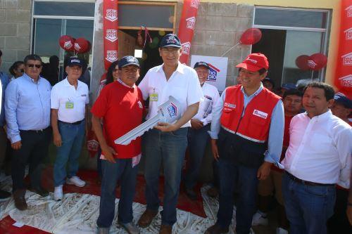 Presidente Vizcarra entregó módulos de vivienda en el distrito de Túcume