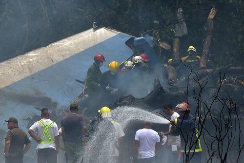 Avión se estrella con 110 pasajeros a bordo en Cuba