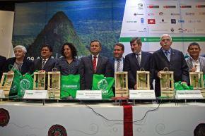 La generación de negocios por más de 85 millones de soles y la llegada de más de 40,000 visitantes, entre nacionales y extranjeros, proyecta la octava edición de la Expo Amazónica 2018, que se realizará del 9 al 12 de agosto próximo en la región Ucayali. ANDINA/Vidal Tarqui