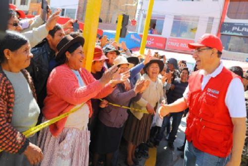 """Tayacaja declara """"Huésped Ilustre y Visitante Distinguido"""" a presidente Martín Vizcarra."""