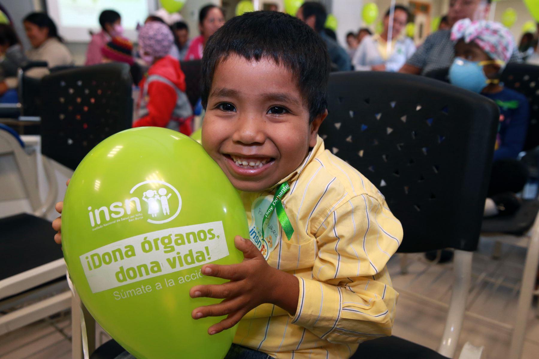 Próximamente se implementará el transplante hepático en el Perú para que los niños no viajen al extranjero .Foto: ANDINA/Norman Córdova