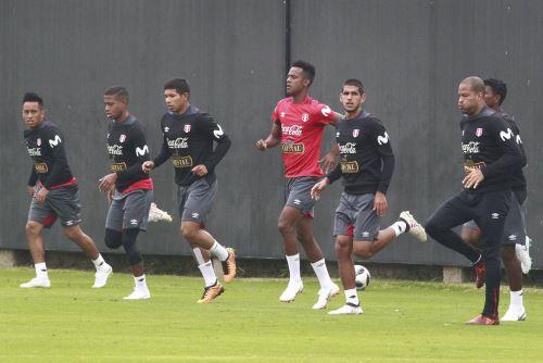 La selección continúa sus entrenamientos en la Videna con 23 jugadores.
