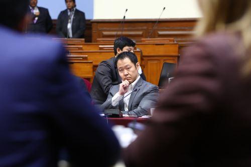 Debaten informe que recomienda el desafuero del congresista Kenji Fujimori.