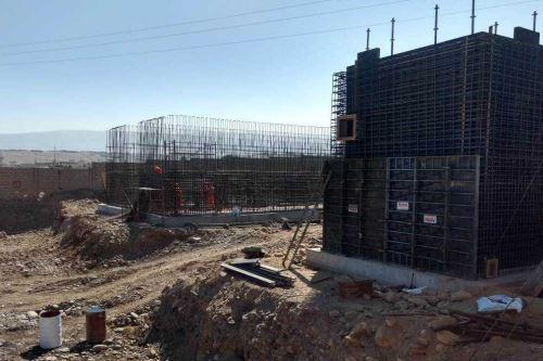 El ministro de Vivienda, Construcción y Saneamiento, Javier Piqué, junto al presidente de la República, Martín Vizcarra, inspeccionarán mañana jueves la construcción de la nueva Planta de Tratamiento de Agua Potable (PTAP) de Calana, obra que beneficiará a 318,966 ciudadanos de la región Tacna.