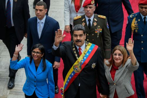 Maduro jura como mandatario reelecto ante la  Asamblea Constituyente Foto: AFP