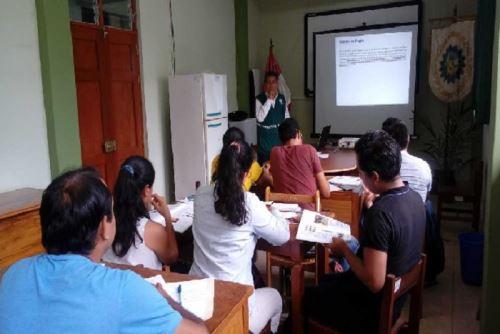 Doce trabajadores de las municipalidades distritales Yarinacocha, Callería y Manantay, fueron capacitados en taller dirigido por especialistas en inocuidad agroalimentaria del Minagri.