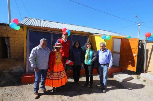 El ministerio de Desarrollo e Inclusión Social (Midis) implementará 977 viviendas térmicas en zonas rurales de 14 distritos de las provincias de Yungay (Áncash); Víctor Fajardo, Huancasancos, Cangallo, Parinacochas, Lucanas y Páucar del Sara Sara (Ayacucho); Huamalíes (Huánuco); Huancayo y Jauja (Junín); y Oxapampa y Pasco (Pasco).