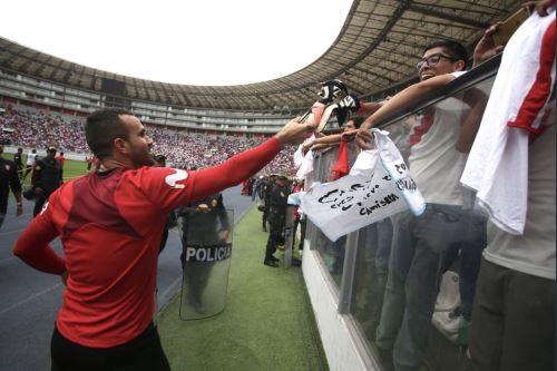 Selección peruana realizó entrenamiento de despedida en el Estadio Nacional