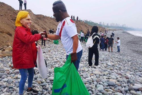 Voluntarios recogieron más de dos toneladas de basura en playa de Magdalena. Foto: ANDINA/Difusión.