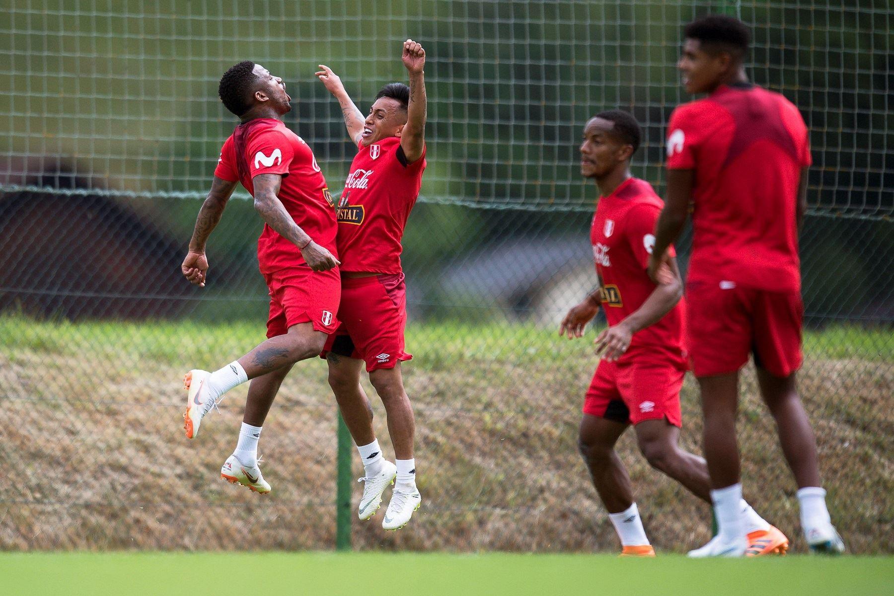 Entrenamiento de la selección peruana Foto: EFE