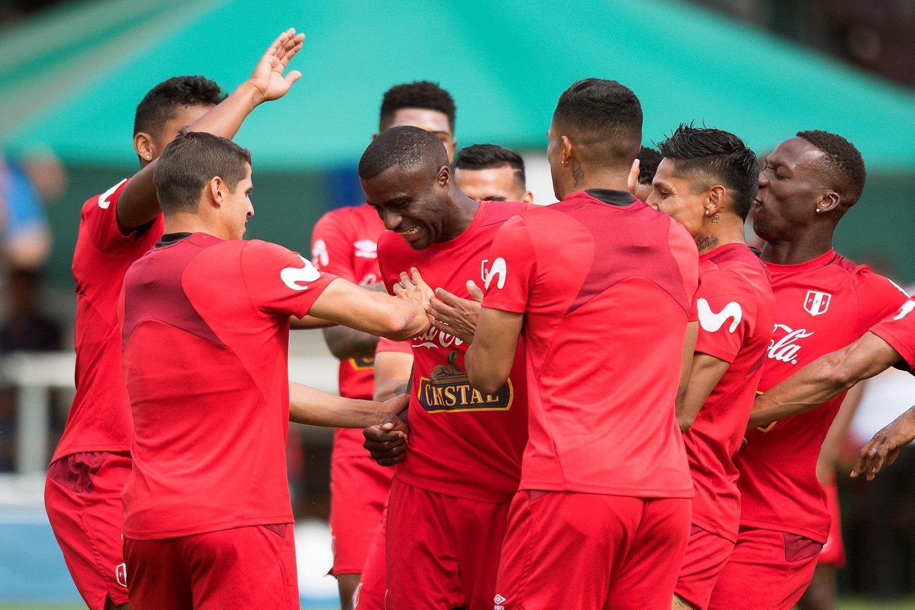 Entrenamiento de selección peruana Foto: EFE