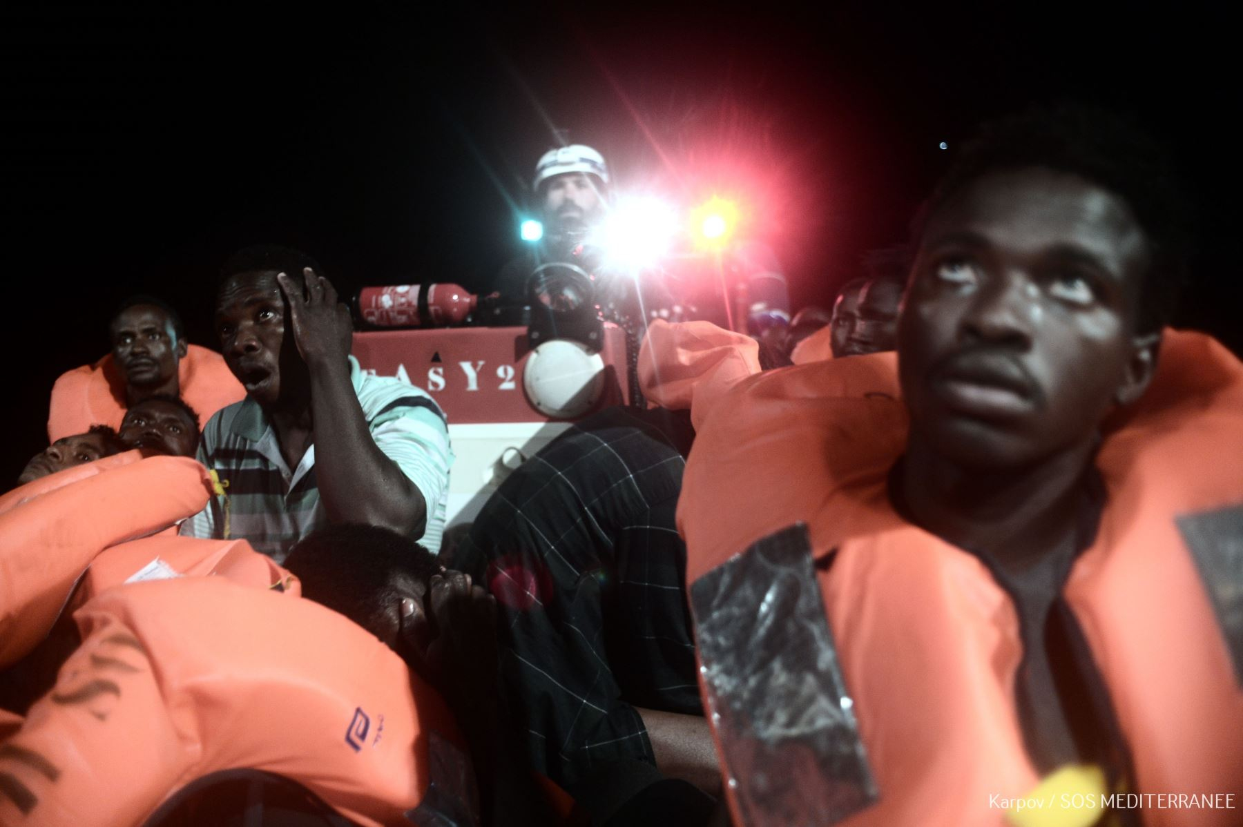 Italia se mofa del Aquarius: '¡Victoria! 629 inmigrantes se van a España'