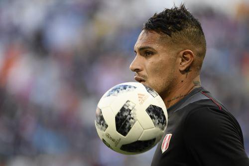 Selección peruana  calienta para el partido de fútbol del Grupo C de la Copa Mundial Rusia 2018