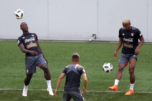 Entrenamiento de la selección peruana en Khimki