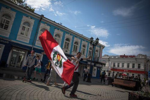 Hinchas peruanos en Ekaterimburgo previo al encuentro de Perú vs Francia